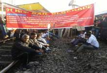 Photo of Assam- Adivasis Blockade Railway Track demanding ST status