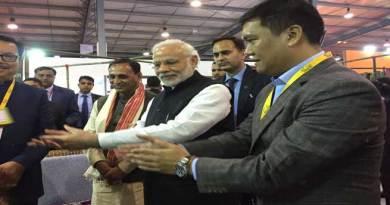 Vibrant Gujarat Global Summit- PM Modi Visits Arunachal Stall