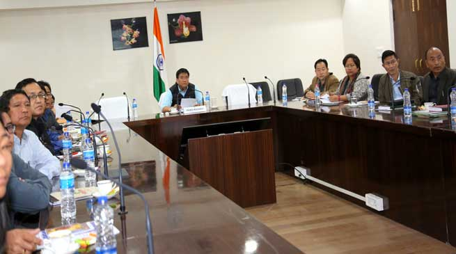 Arunachal- Khandu assured to sort out APCSOA grievances