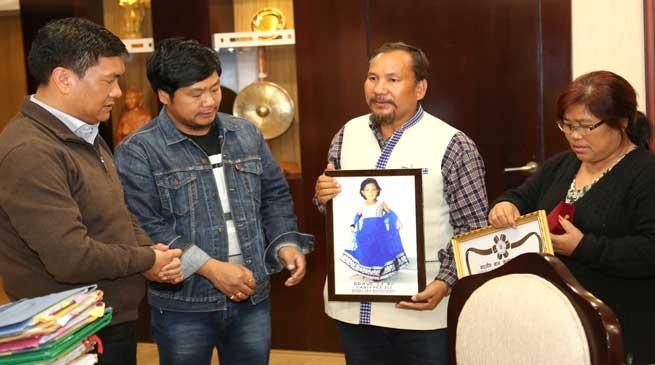 Khandu Lauded the bravery of Late Tarh Peeju