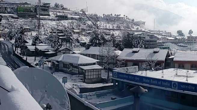 Arunachal- Heavy Snowfall in Tawang, Sela pass and Bomdila