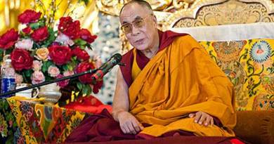 Dalai Lama Starts Teachings in Tawang Stadium