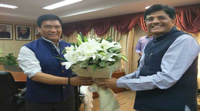 Khandu Raises various Power related Issues before Centre