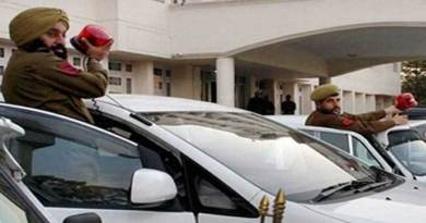 Khandu orderes removal of all red beacons from vehicles