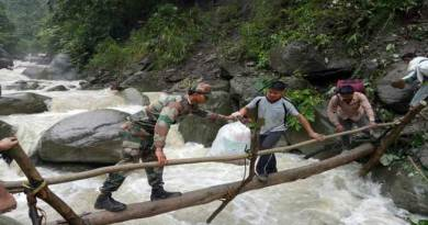Arunachal- Army Rescue 200 Civilians stranded