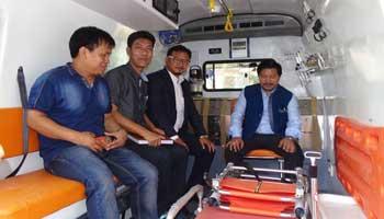 Taram flagged off ambulance for Chera Talo District Hospital at Koloriang