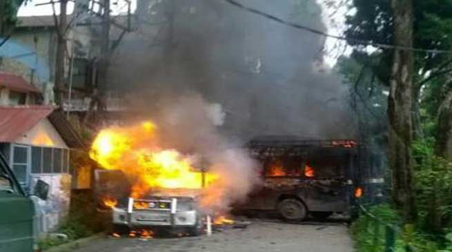 Darjeeling- GJM Protest turns Violent, 12 Hrs bandh, Army deployed