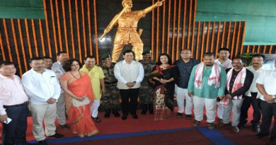 Sonowal unveiled statue of Bir Lachit Borphukan at Dinjan Military Station
