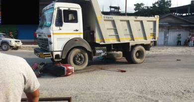 Scooty collided with Dumper- 1 dead, several injured