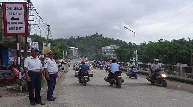Heavy vehicle prohibited from plying on Borpani bridge