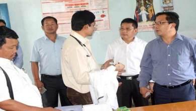 Khonsa- Wanglam Sawin visits Hospital and School