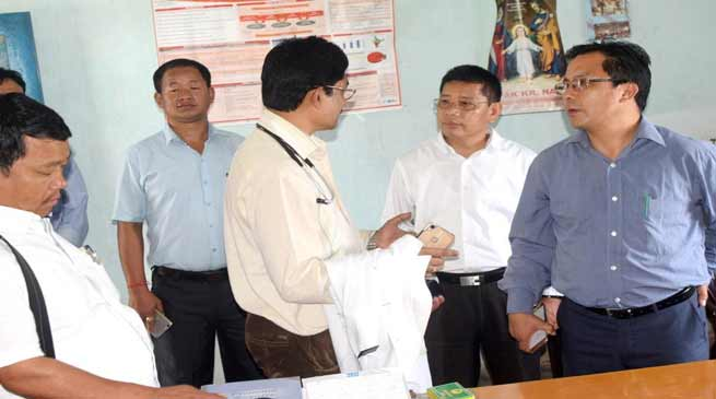 Khonsa- Wanglam Sawin visits Hospital and School