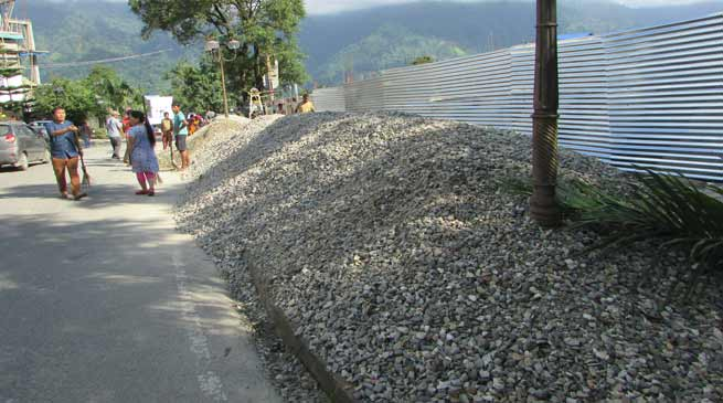 Itanagar: DC directed building owner to shift their building materials from roadside