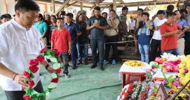 Khandu, Kiren and Tapir air-dashed to Gensi to see off Jomde's last journey