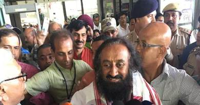 "Sri Sri Ravishankar says ""Northeast can be developed only with people's participation"""