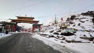 Tawang, Sela pass witnesses first Snowfall of this winter