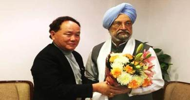 Rebia discusses Itanagar Smar City proposal with Hardeep Singh