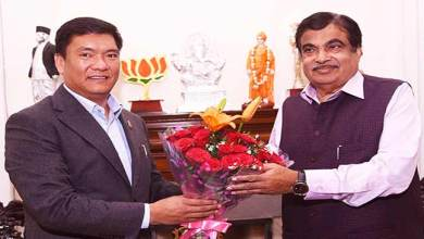 Khandu discussed Potin-Pangin section of TAH with Gadkari
