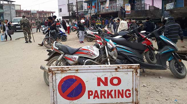 Arunachal:  Police Violates No Parking rule in Itanagar