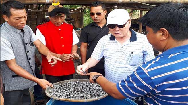 Arunachal: Rebia assured all support to the artisan of Tani Hapa village