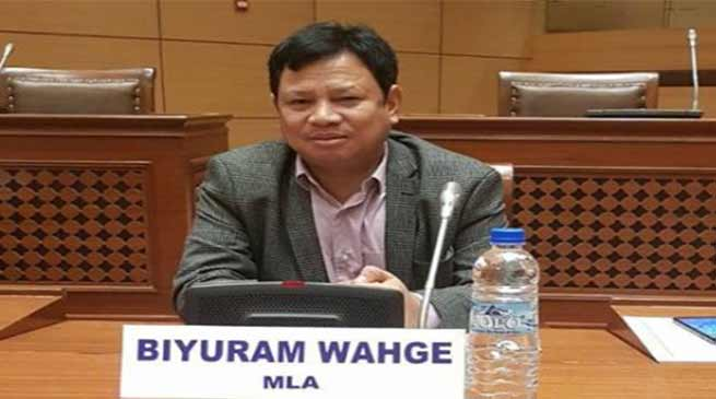 Arunachal: MLA BR Waghe donates first salary to party fund
