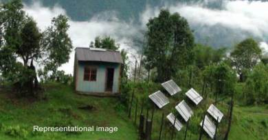 Itanagar : DC inaugurates Solar Home Lighting System in Gibahappa village