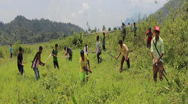 Arunachal: Puroik community conduct social service at Tomru Viilage