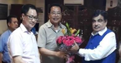 Arunachal: Chowna Mein calls on Gadkari on TAH