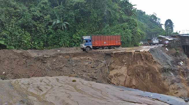 Arunachal: Massive landslide disrupts traffic between Itanagar-Naharlagun