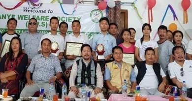 Arunachal: Pani Taram felicitates CBSE toppers