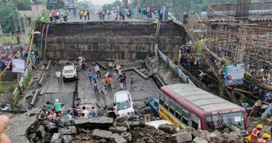 Kolkata Bridge collapse: One killed, 25 injured
