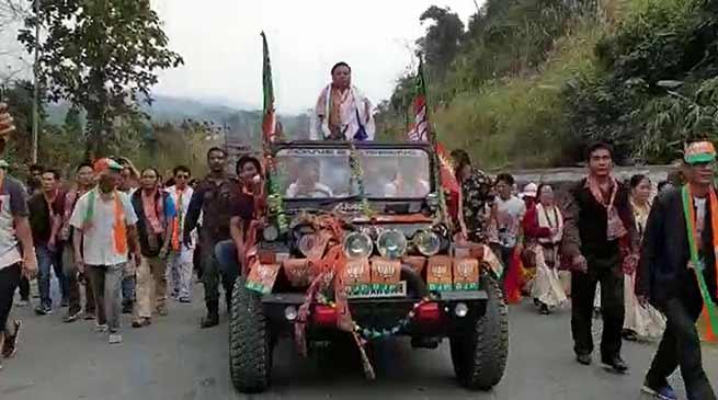 Arunachal election mood: Kumsi Sidisaw gets warm welcome at Bhalukpong