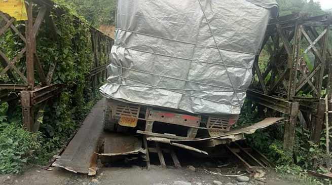 Arunachal: CM directs PWD to restore the Tamin bridge, near Ziro on warfooting