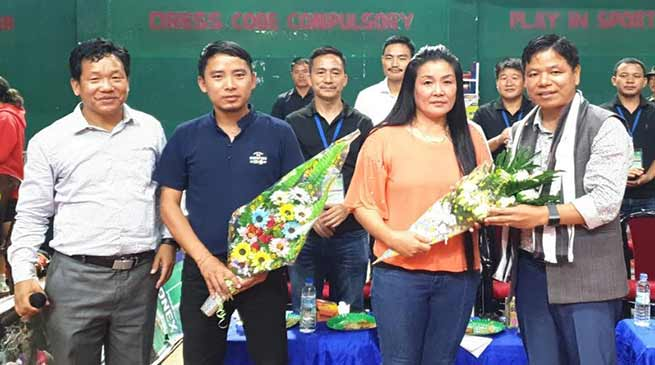 Itanagar: Simai felicitates two badminton umpire