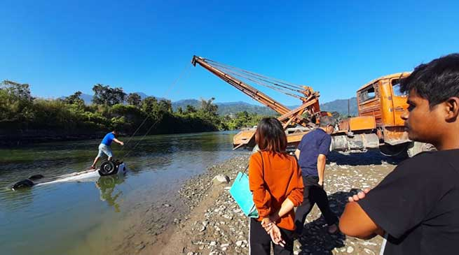 Arunachal: Brave constable jumps in to Dikrong River and saves trapped couple