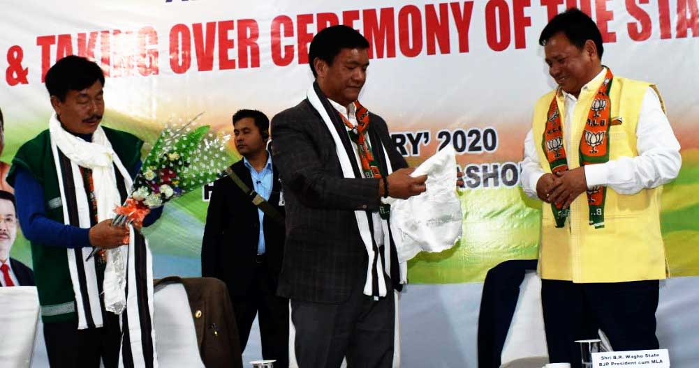 Arunachal: Biyuam Wahge takes over as State BJP president from Tapir Gao