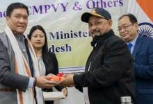 Photo of Arunachal: Khandu distributes POS machines to beneficiaries of CMPVY