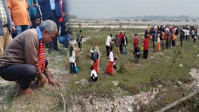 Photo of  Arunachal: Forest man Jadav Payeng participates in plantation drive along Siang river at Borguli
