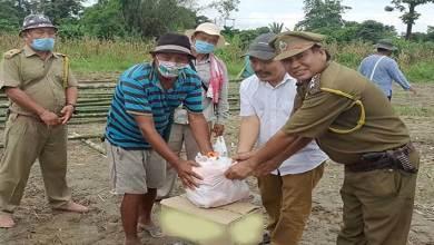 Photo of Arunachal: DFO DEWS contributes assistance to flood hit Namsing village
