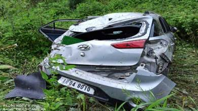 Photo of Arunachal: Bomdila Police saved the lives of 5 people injured as car falls into deep gorge