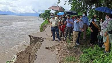 Photo of Arunachal: Mebo Dhola Road breaches due to massive soil erosion of flooding Siang river
