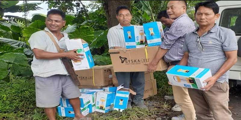Arunachal: Pasighat Forest Division distributed solar lamps, pressure cookers to the flood victims