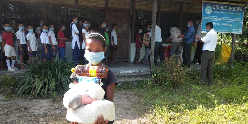 "Arunachal: ""Hope for Children"" distributes dry ration kits to Children"