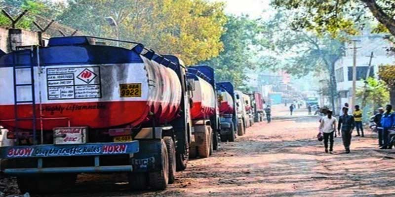 Arunachal: Strike of oil tanker and other goods drivers and handymen paralyses the normal life