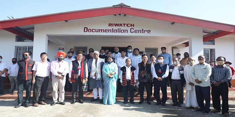 Arunachal: Pema Khandu inaugurates new school building in Dambuk and visits RIWATCH
