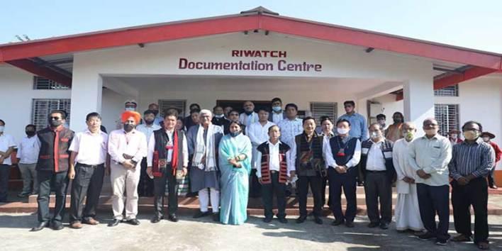 Arunachal: Pema Khandu inaugurates new school building in Dumbak and visits RIWATCH