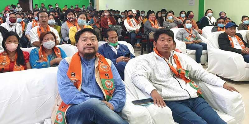 Itanagar: former Councilors, Deputy Chief Councilor join BJP