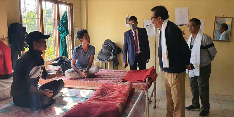 Arunachal: Chowna Mein visits drug de-addiction centre at lathao