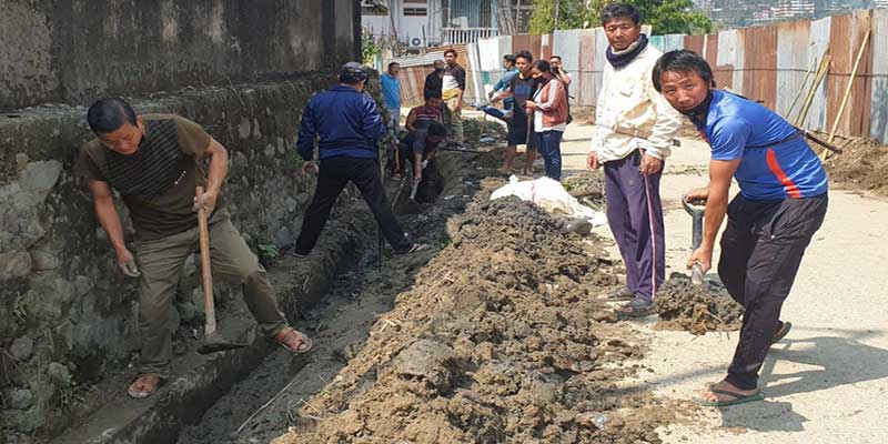 Itanagar: Day long Social Service by locals of  Ward No-10, Ten trucks garbage disposed off