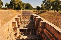 Well side View of Rani-ki-Vav